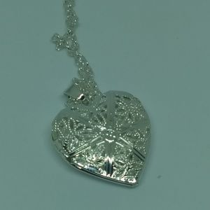 Jewelry - HEART LOCKET NECKLACE - Silver plated jewelry cute